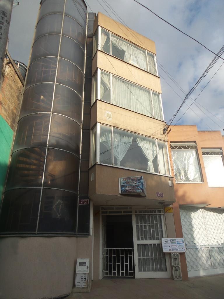 Vendo Permuto Local con apartamento en Soacha Leon XIII, Cerca de Transmilenio