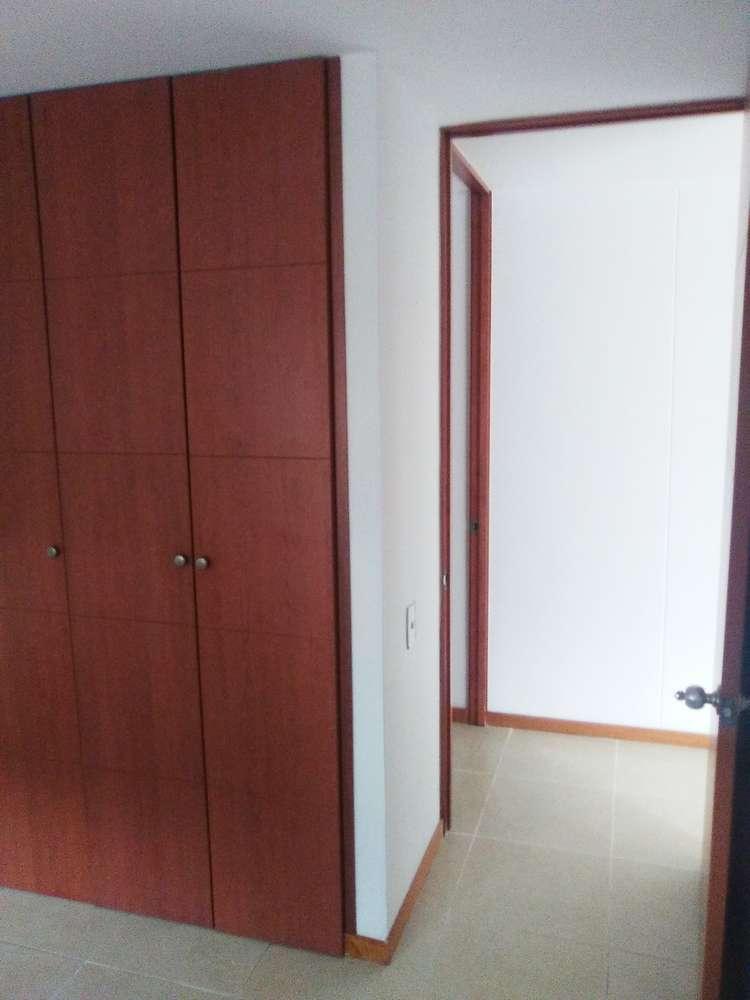 Apartamento en Arriendo  Codigo: 365736