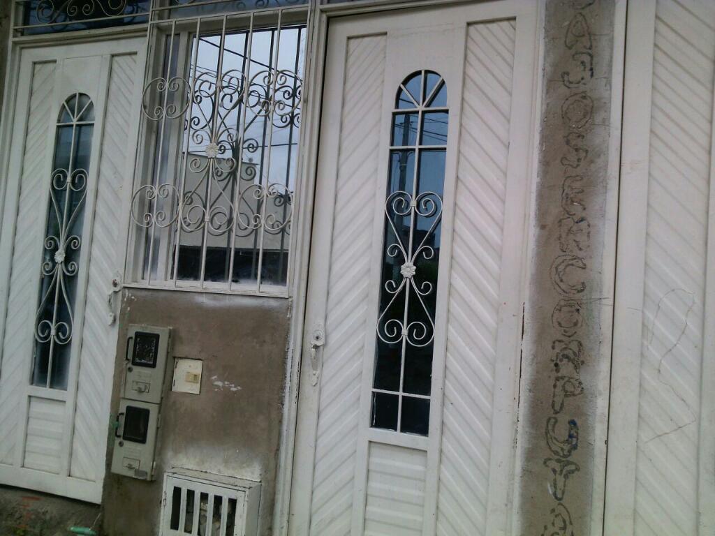 Gangazo : vendo casa de 2 pisos, excelente ubicación : Carrera 13 32a 44 Nuevo Habitad