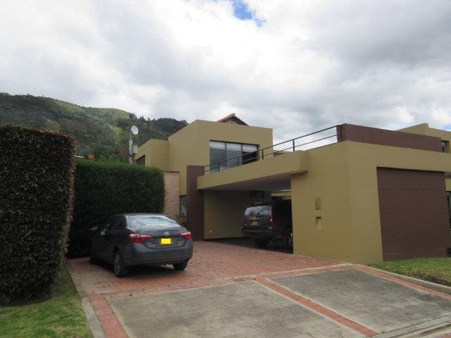 Vi12401511 Kalamari, Chia, diseño especial, casa con club privado