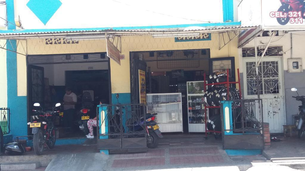Vendo casa muy bien ubicada en zona comercial B/ San Antonio Girardot, Cundinamarca