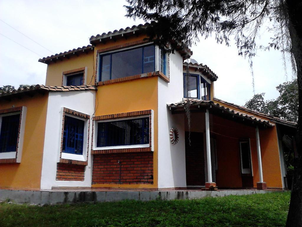 VendoPermuto Cabaña y lote 2.350 M2