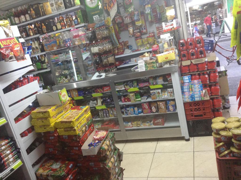 venta supermercado de abarrotes, rancho y licores