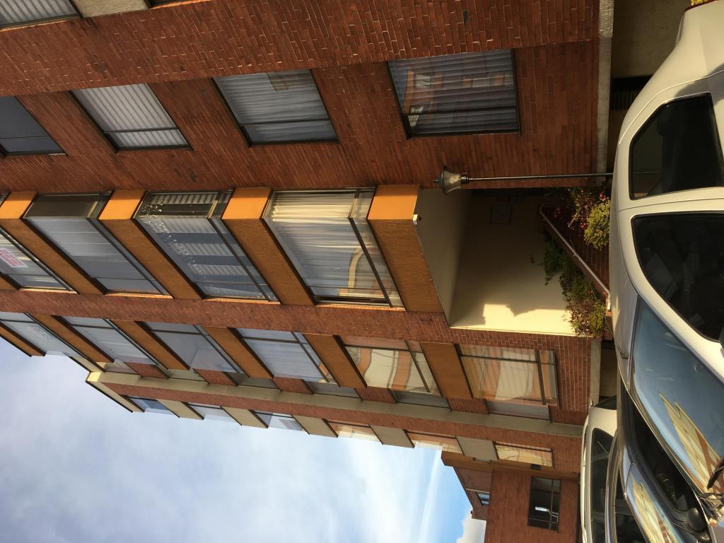 Arriendo Apartamento con Garaje Propio Cubierto