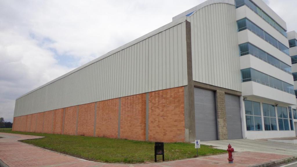 verinmuebles 670008 Magnífica Bodega parque industrial,zona franca