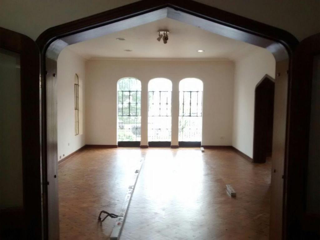 Se arrienda hermosa casa para oficinas en el Barrio La Merced