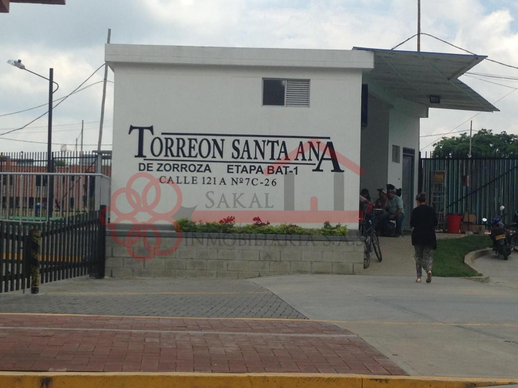 SE ARRIENDA APTO TORREON DE SANTA ANA