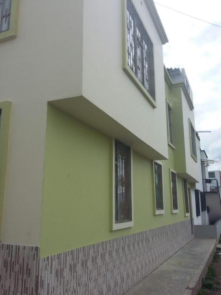 hermosa casa BALCONES DE LA FRONTERA 3 PISOS