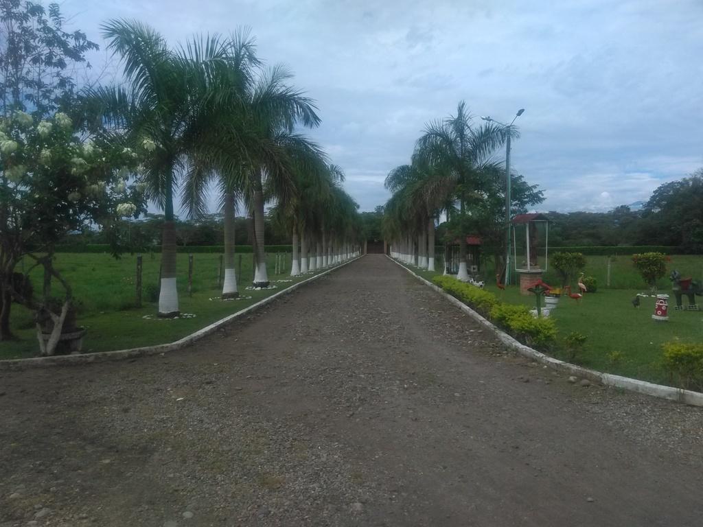 Vendo casa quinta en  en un lote de 15 hectáreas