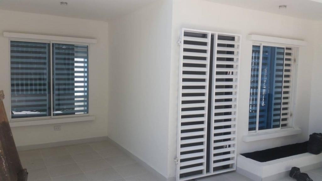 Arriendo Casa Nueva Para Estrenar de 2 plantas Diagonal al San Luis Beltrán