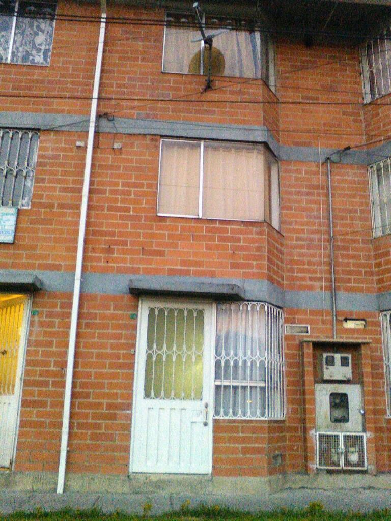 Vendo Casa 3 Niveles Dentro de Conjunto Residencial